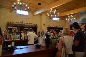lavish-wine-tasting-room